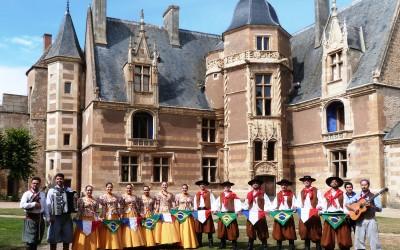 Os Chimangos – Folklore brésilien  –  Les Affouages  –  Ainay-le-Vieil 2015