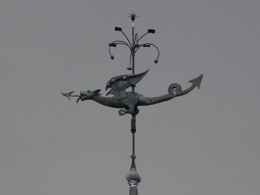 Girouette dragon du logis renaissance du château d'Ainay le Vieil