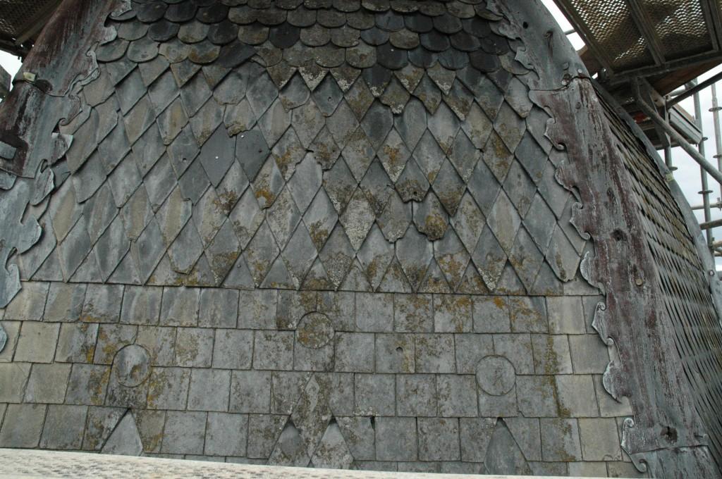 Les toits et les insultes du temps