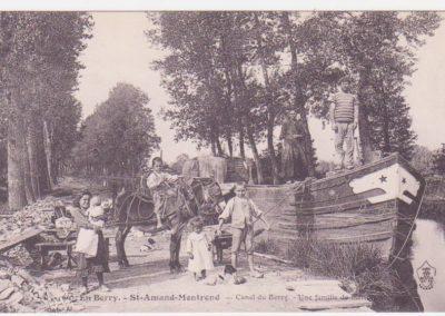 Canal du Berry - Une famille de marins