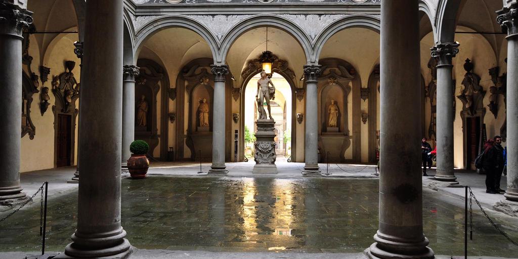 Cour du palais Medicis à Florence